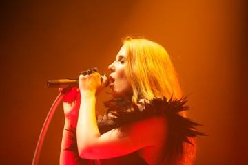 Wird auch im X-Tra verzaubern: Simone Simons (Foto: Sacha Saxer)